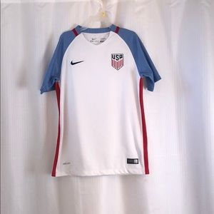Nike Dri-fit Boy's Medium USA jersey NWOT